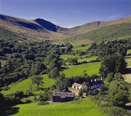 Cwmcynwyn Farm - Self Catering / Bunkhouse Accommodation